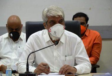 कृषी योजनांसाठी व्हाटस्अॅपचा वापर कृषीमंत्री दादाजी भुसे; २७ योजनांची मिळणार सविस्तर माहिती